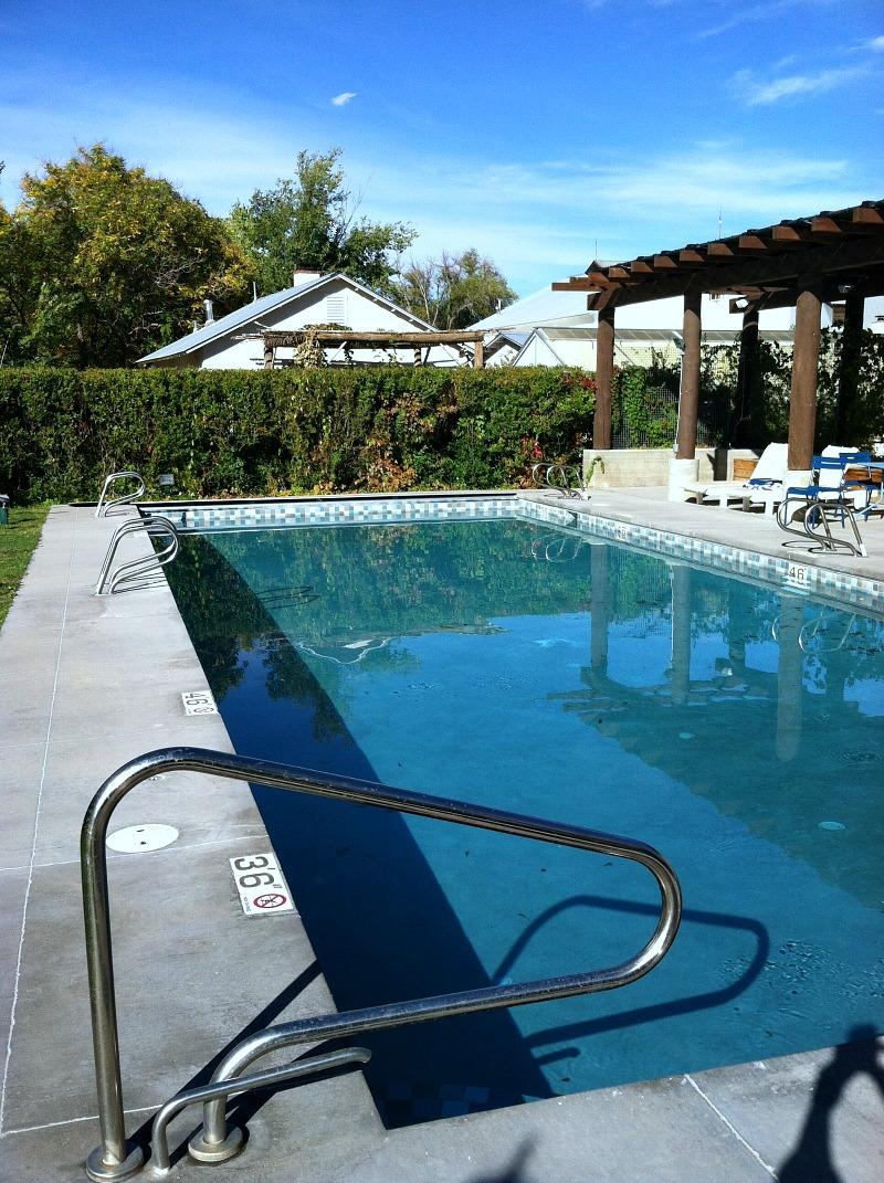 los poblanos pool area