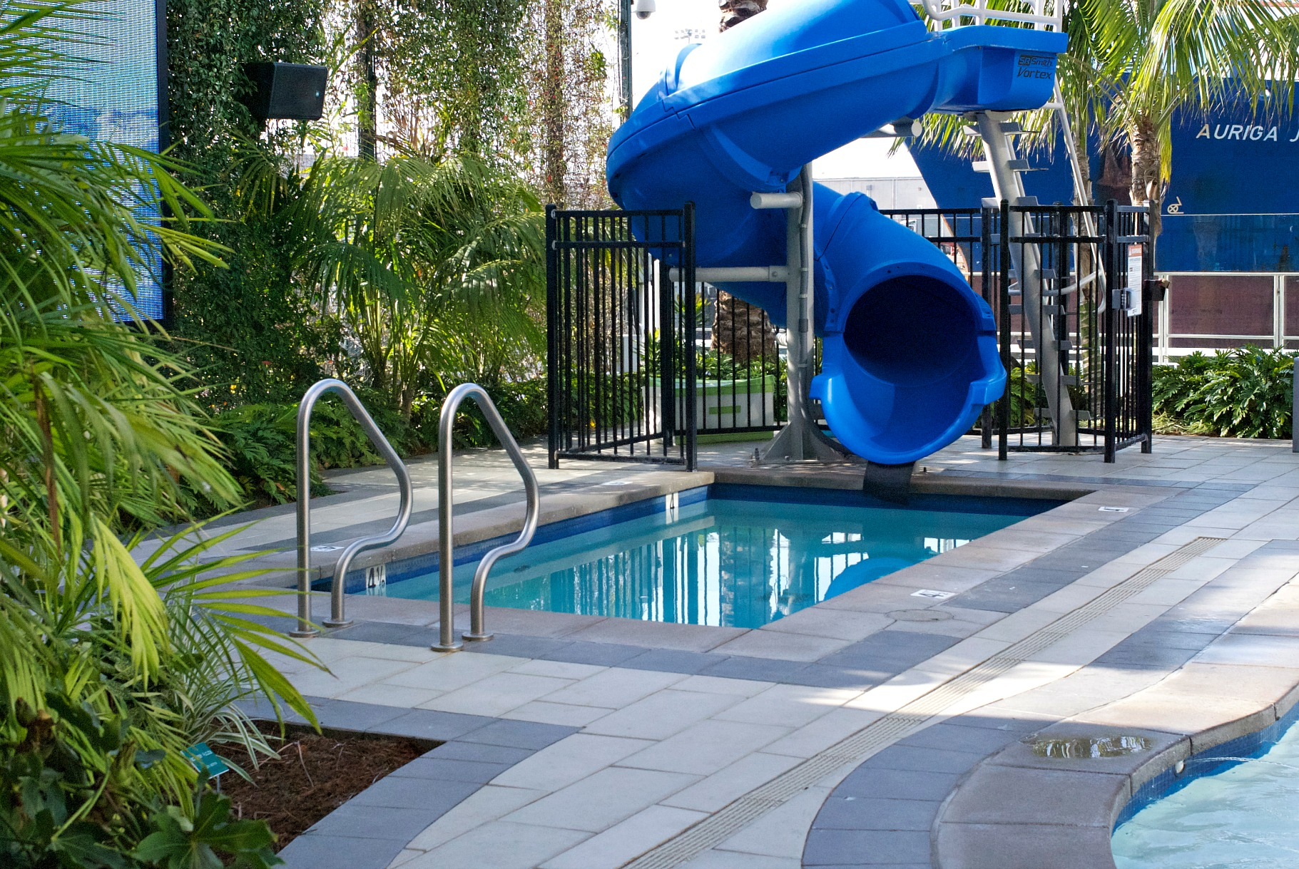 Hilton Bayfront kiddie pool slide