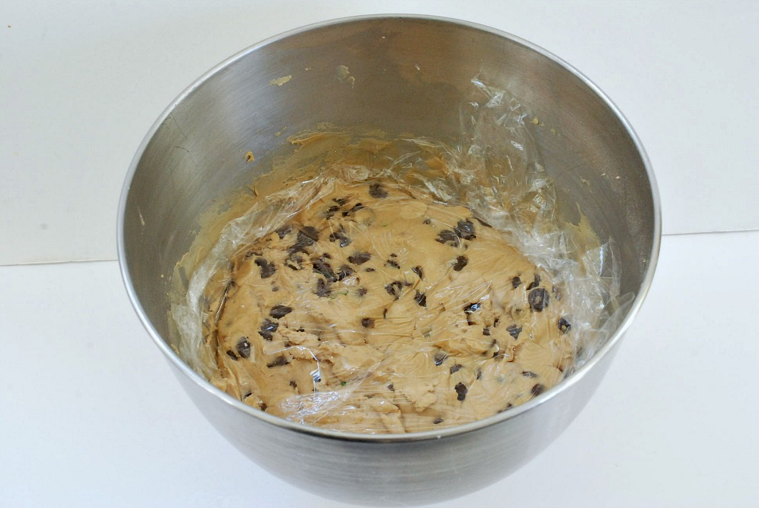 Chocolate Chip Cookies with MMs batter