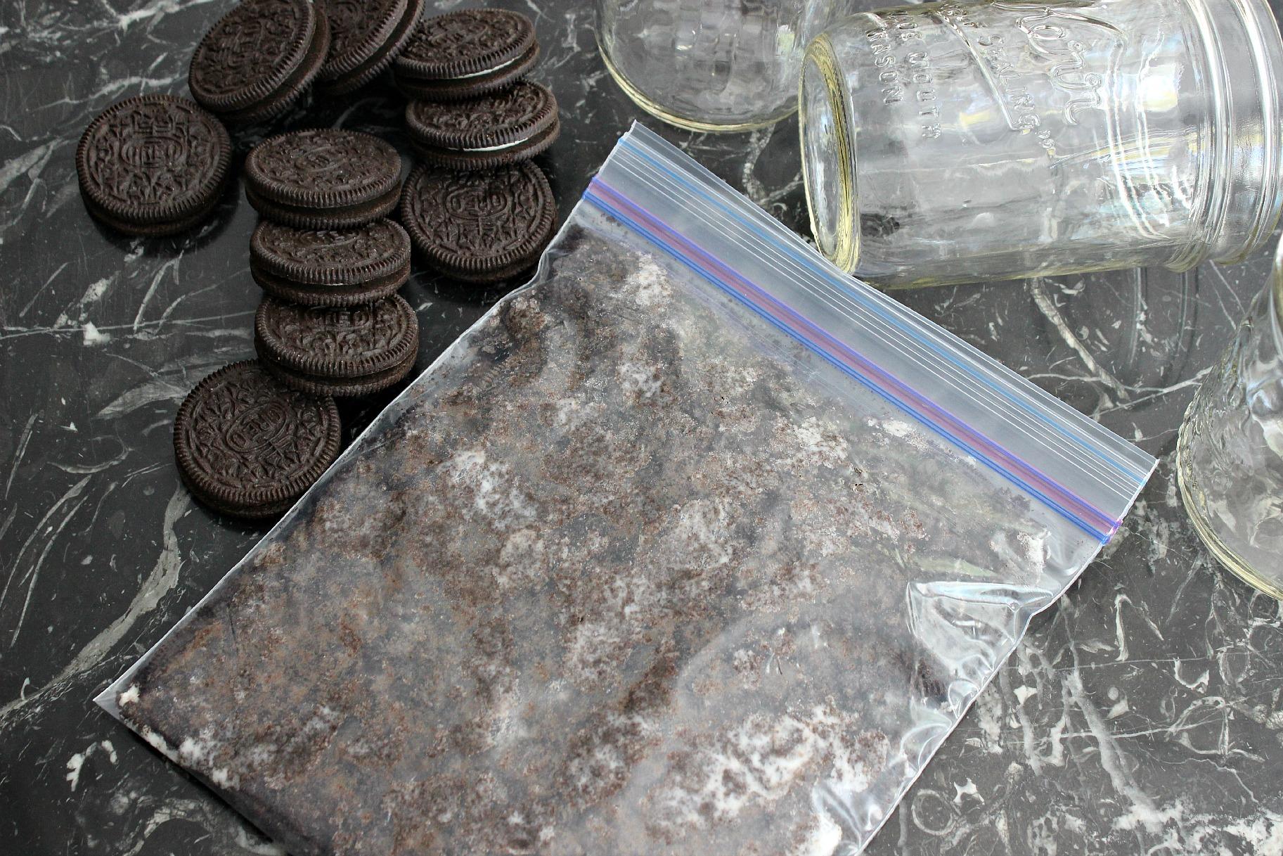Mason Jar Mud Pies crush oreos
