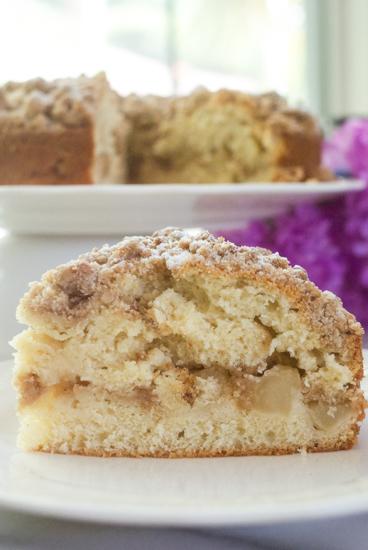 Apple Cinnamon Streusel Cake